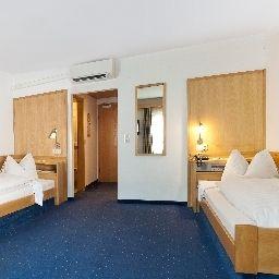 Weisses_Roessl-Innsbruck-Double_room_standard-2-40914.jpg