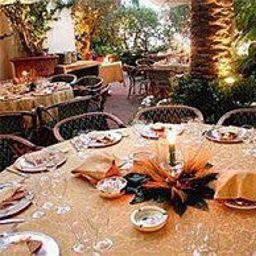 La_Palma-Capri-Restaurantbreakfast_room-2-41038.jpg