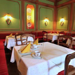 Leopold-Munich-Restaurantbreakfast_room-1-42147.jpg