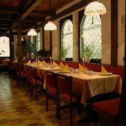 Regent-Baden-Baden-Breakfast_room-43605.jpg