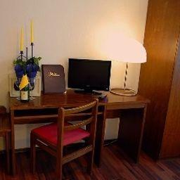 Regent-Baden-Baden-Room-1-43605.jpg