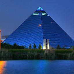 Vista exterior Hotel-Pyramide