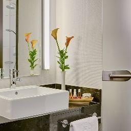 Steigenberger-Dortmund-Bathroom-43672.jpg
