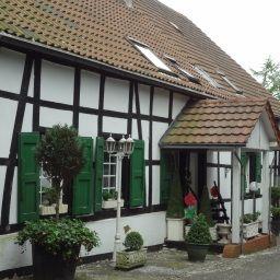 Kaempgens_Hof-Muelheim-Exterior_view-1-43710.jpg