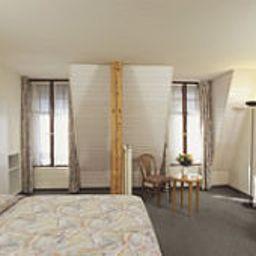 Des_Voyageurs_Hotel_Garni-Lausanne-Interior_view-43986.jpg