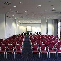 Belmondo_Leipzig_Wiedemar-Wiedemar-Conference_room-1-44042.jpg
