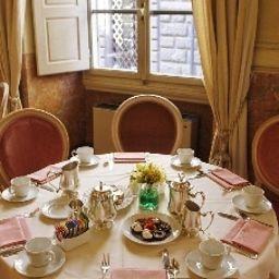 Bernini_Palace-Florence-Restaurantbreakfast_room-1-44409.jpg