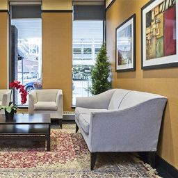 Hall Comfort Hotel Downtown