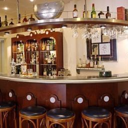 Malie_Hotel_Utrecht_Hampshire_Classic-Utrecht-Hotel_bar-1-45026.jpg