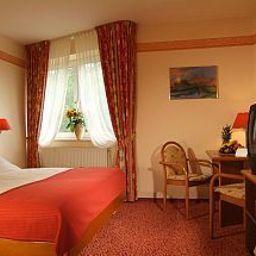 Ringhotel_Am_Badepark-Bad_Zwischenahn-Room-2-45216.jpg