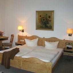 Neuses_Sand_Landhotel-Prichsenstadt-Standardzimmer-45255.jpg