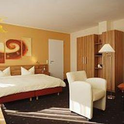 Senne_Hotel_Garni-Schloss_Holte-Stukenbrock-Room-1-45729.jpg