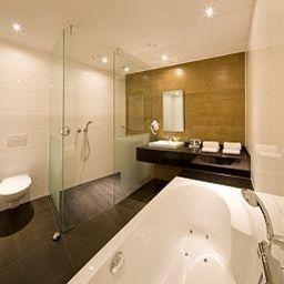 Harderwijk_Van_der_Valk-Harderwijk-Bathroom-48080.jpg
