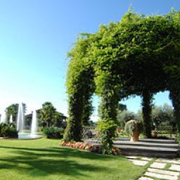 Jardin Royal Garden