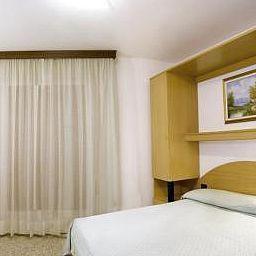 Room London