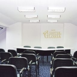 Gloria-Budapest-Conferences-50599.jpg