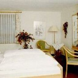 Roessle_Landgasthof-Waldenbuch-Room-3-50910.jpg