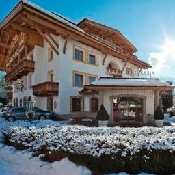 Maria_Theresia-Hall_in_Tirol-Exterior_view-7-51188.jpg