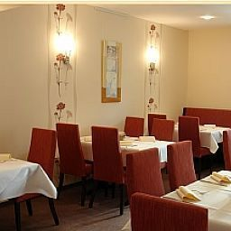 Walz-Salzkotten-Restaurant-51374.jpg