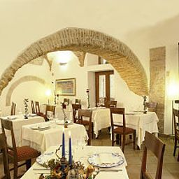 Italia-Foligno-Restaurant-52176.jpg