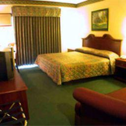DAYS_HOTEL_BATANGAS-Batangas-Room-1-53353.jpg