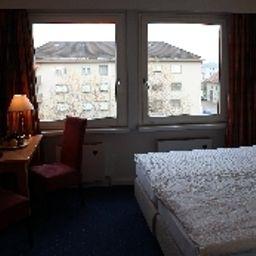 Martinshof-Zuchwil-Double_room_standard-5-55156.jpg