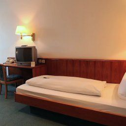 Krone_Waldburg-Waldburg-Room-2-55955.jpg