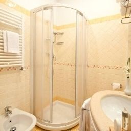Kennedy-Rimini-Bathroom-1-56212.jpg