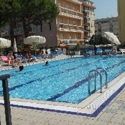 Atlantico-Lido_di_Jesolo-Pool-56377.jpg