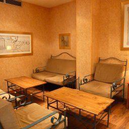 Medicis-Nice-Hall-1-57601.jpg
