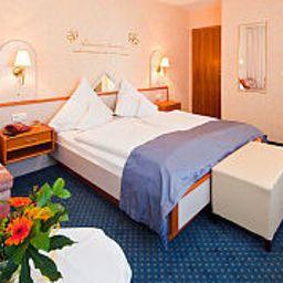 Waldhotel_Wiesemann-Waldeck-Standardzimmer-2-57856.jpg
