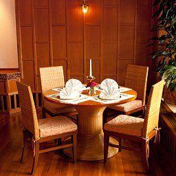 Pfauen-Umkirch-Restaurant-2-60478.jpg