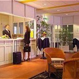 Hotel_und_Tagungszentrum-Kelkheim-Reception-62196.jpg