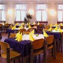 Hotel_und_Tagungszentrum-Kelkheim-Breakfast_room-62196.jpg