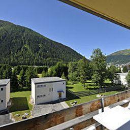 Feriensiedlung_Solaria-Davos-View-1-63365.jpg