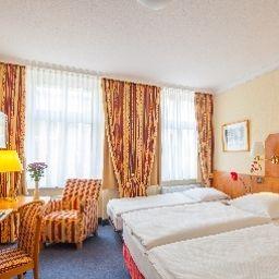 Kastanienhof-Berlin-Triple_room-63998.jpg