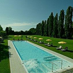 Piscina Villa Giustinian
