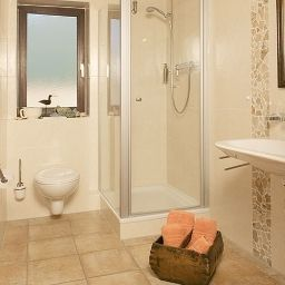 Bagno in camera Forsthaus