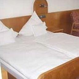 Loewen_Landgasthof-Waldkirch-Double_room_standard-2-64627.jpg
