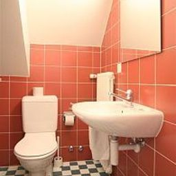 Lido-Geneva-Bathroom-1-64940.jpg