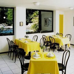 Nessi-Locarno-Breakfast_room-65106.jpg