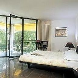 Nessi-Locarno-Room_with_balcony-2-65106.jpg