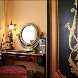 Villa_Opera_Drouot-Paris-Double_room_standard-4-67923.jpg