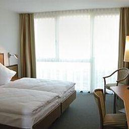Rastanlagen_im_Hegau_Ost_Autobahnraststaette-Engen-Room-69236.jpg