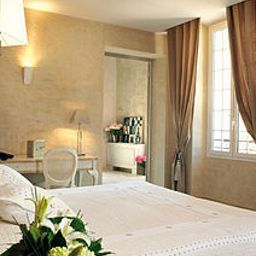 Chateau_de_la_Begude_Chateaux_et_Hotels_Collection-Opio-Room-10-69263.jpg