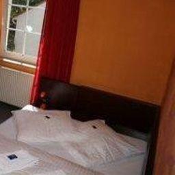 Room Avena