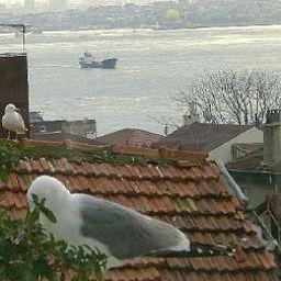 Tashkonak-Istanbul-View-1-70106.jpg