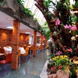 Florida-Studen-Restaurant-5-70916.jpg