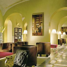 Hall de l'hôtel Empire Palace