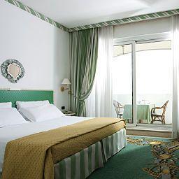 Aris_Garden-Rome-Room-2-71635.jpg